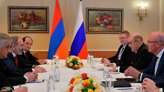 Мишустин и Пашинян обсудили борьбу с коронавирусом