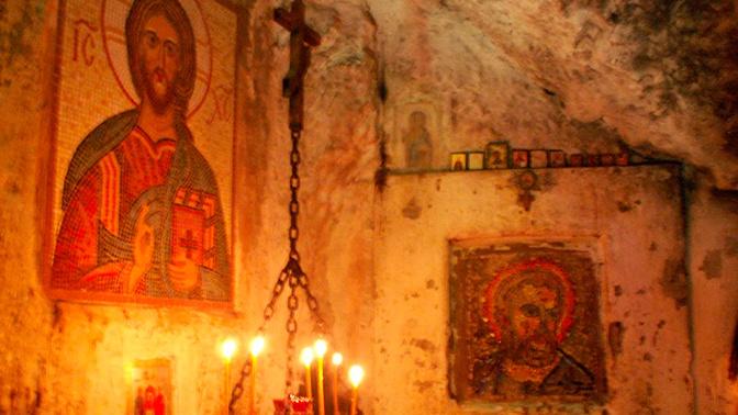 Коронавирус достиг священной горы Афон