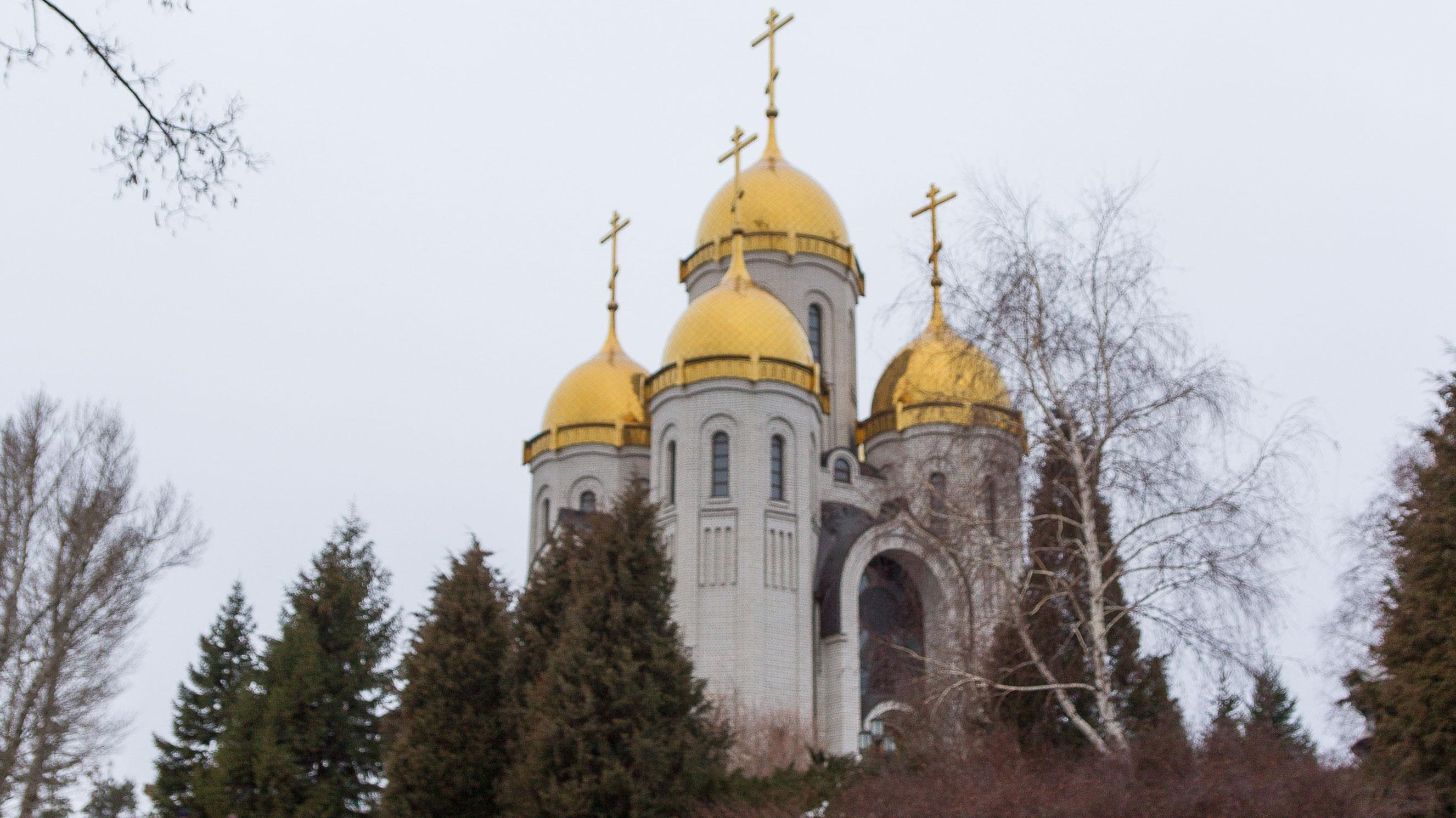 Патриарх Кирилл призвал воздержаться от посещения храмов из-за коронавируса