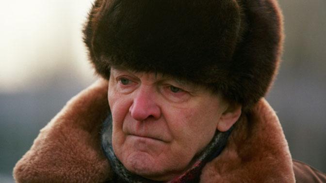 Писатель Юрий Бондарев похоронен на Троекуровском кладбище
