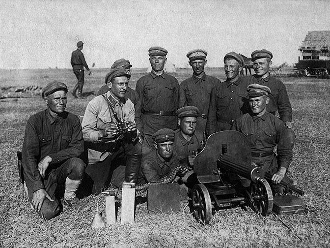 Пулемет Максима во вреимя Гражданской войны.