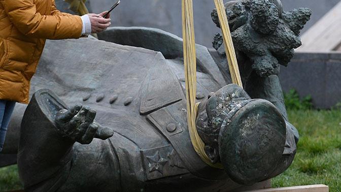 «Духовная смерть»: Кожевникова отреагировала на снос памятника маршалу Коневу в Праге