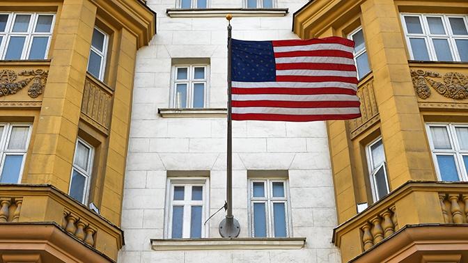 Посольство США готовит списки американцев на вывозные рейсы из РФ