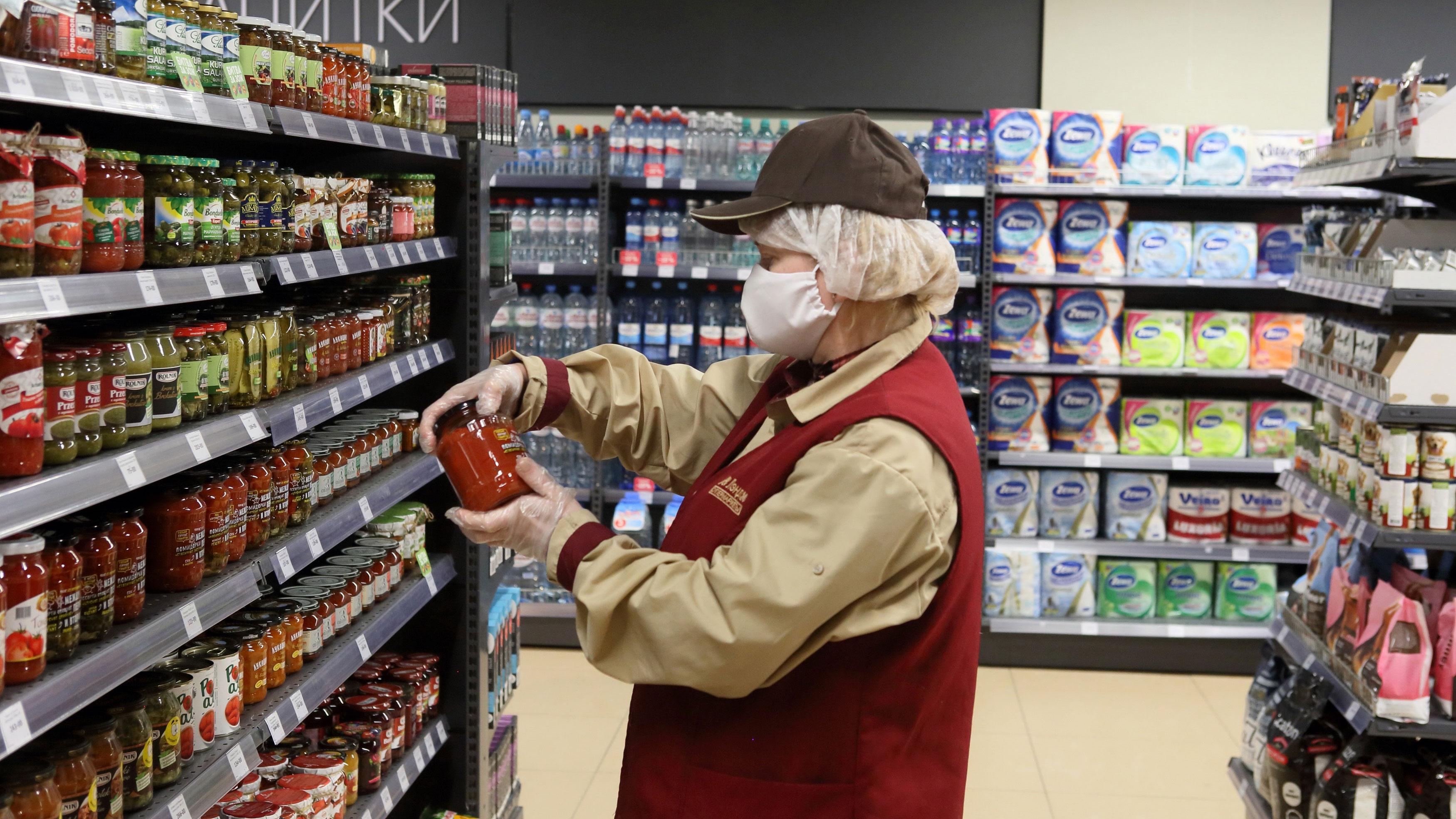ФАС опровергла информацию о согласовании повышения цен на продукты