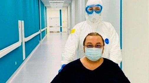 «Пневмония отступила»: Николаев опубликовал фото из Коммунарки