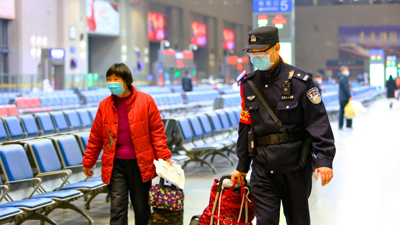Из Москвы высланы десятки китайских туристов - нарушителей карантина