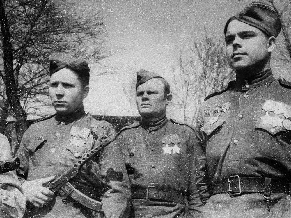 Советскиесолдаты-герои c ППС