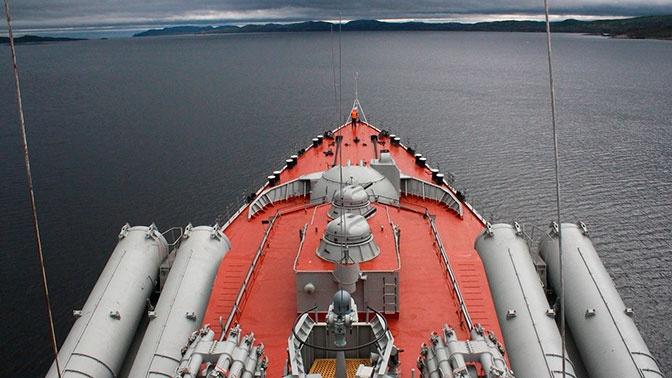 Главком ВМФ РФ поздравил экипажи кораблей в море с праздником Пасхи