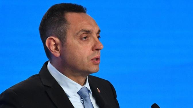 Министр обороны Сербии высоко оценил помощь специалистов из РФ