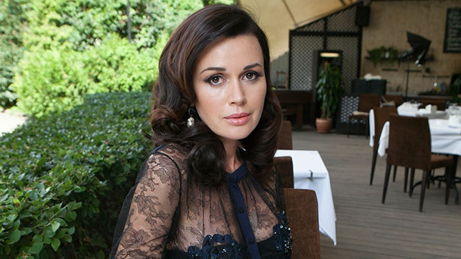 Родственники Заворотнюк прокомментировали информацию о продолжении лечения актрисы