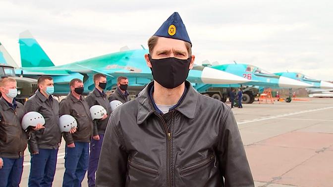 В Екатеринбурге военные поздравили 99-летнего ветерана онлайн-авиапарадом