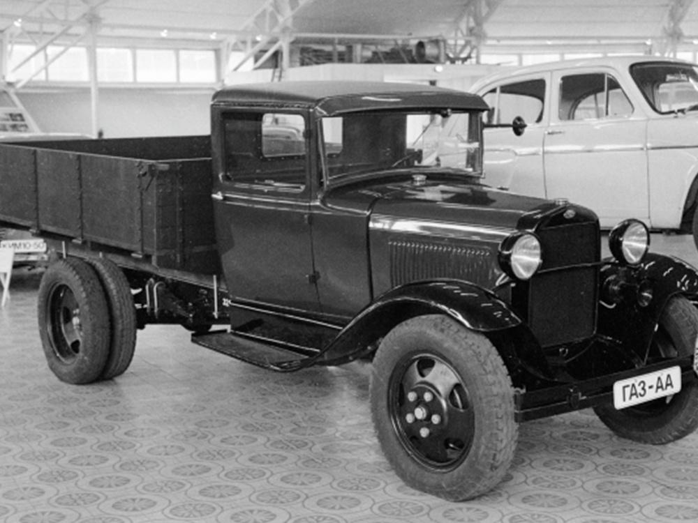 Автомобиль ГАЗ-АА (1933-1939 гг.) в музее Московского автомобильного завода им. Ленинского комсомола.