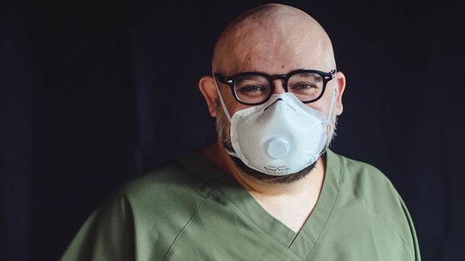 Главврач больницы в Коммунарке рассказал подробности своей болезни коронавирусом