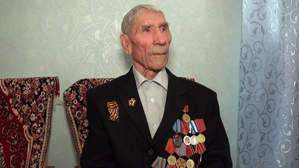 Власти Цильнинского района Ульяновской области устроили парад для ветерана ВОВ