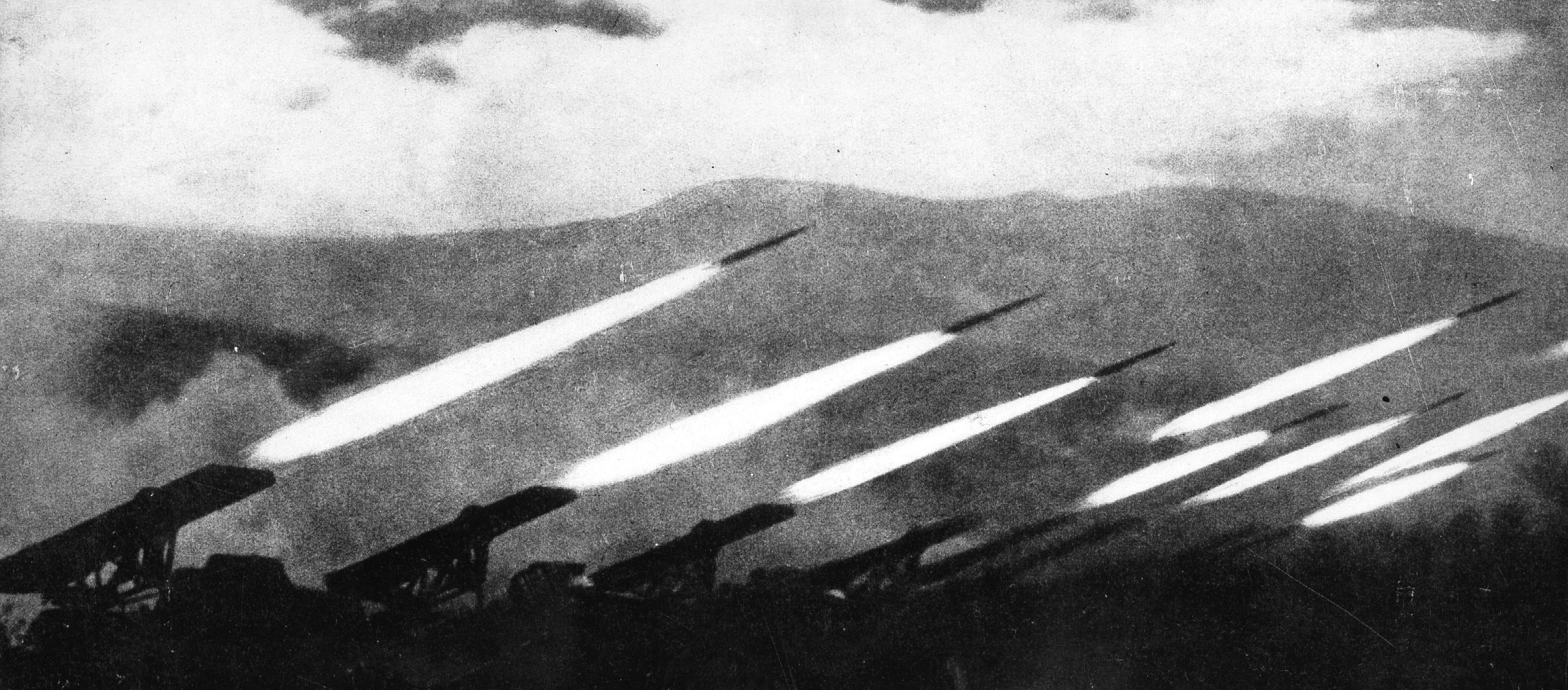 19.11.1942 советские войска начали наступление на немецкий фронт под Сталинградом артиллерийским обстрелом. На снимке стреляют ракетные установки