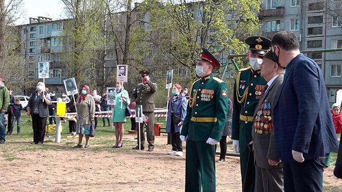 Парад под окнами: ветеранов ВОВ из Ленобласти поздравили с Днем Победы