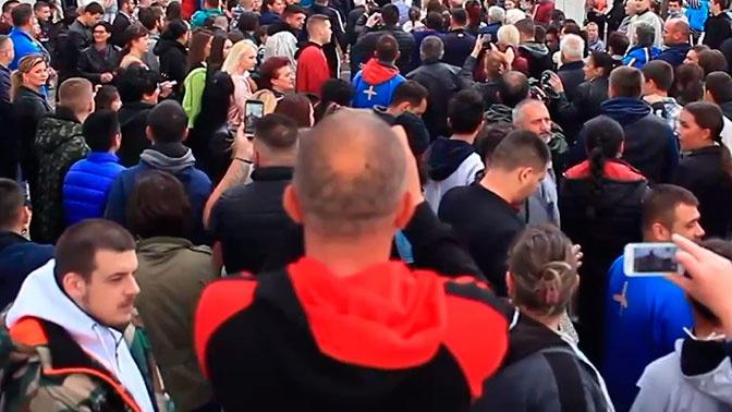 В Черногории прошли мирные протесты городов из-за задержания епископа