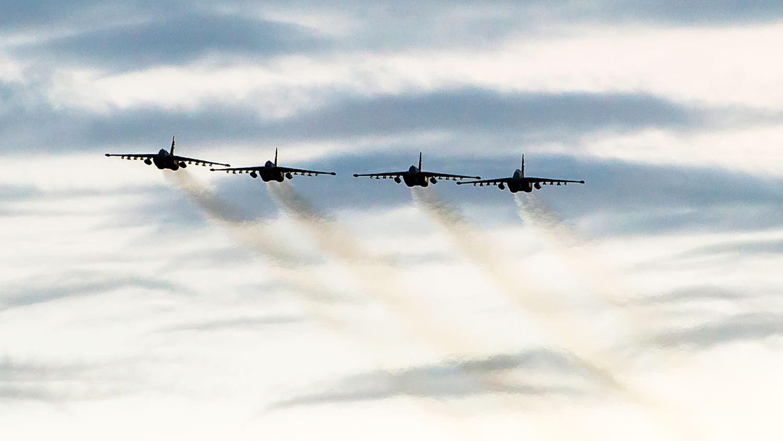 Удар «Грачей»: Су-25СМ3 уничтожили штаб «террористов» на Кубани