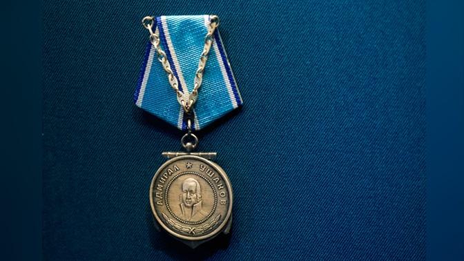 Путин наградил британских моряков - участников Северных конвоев