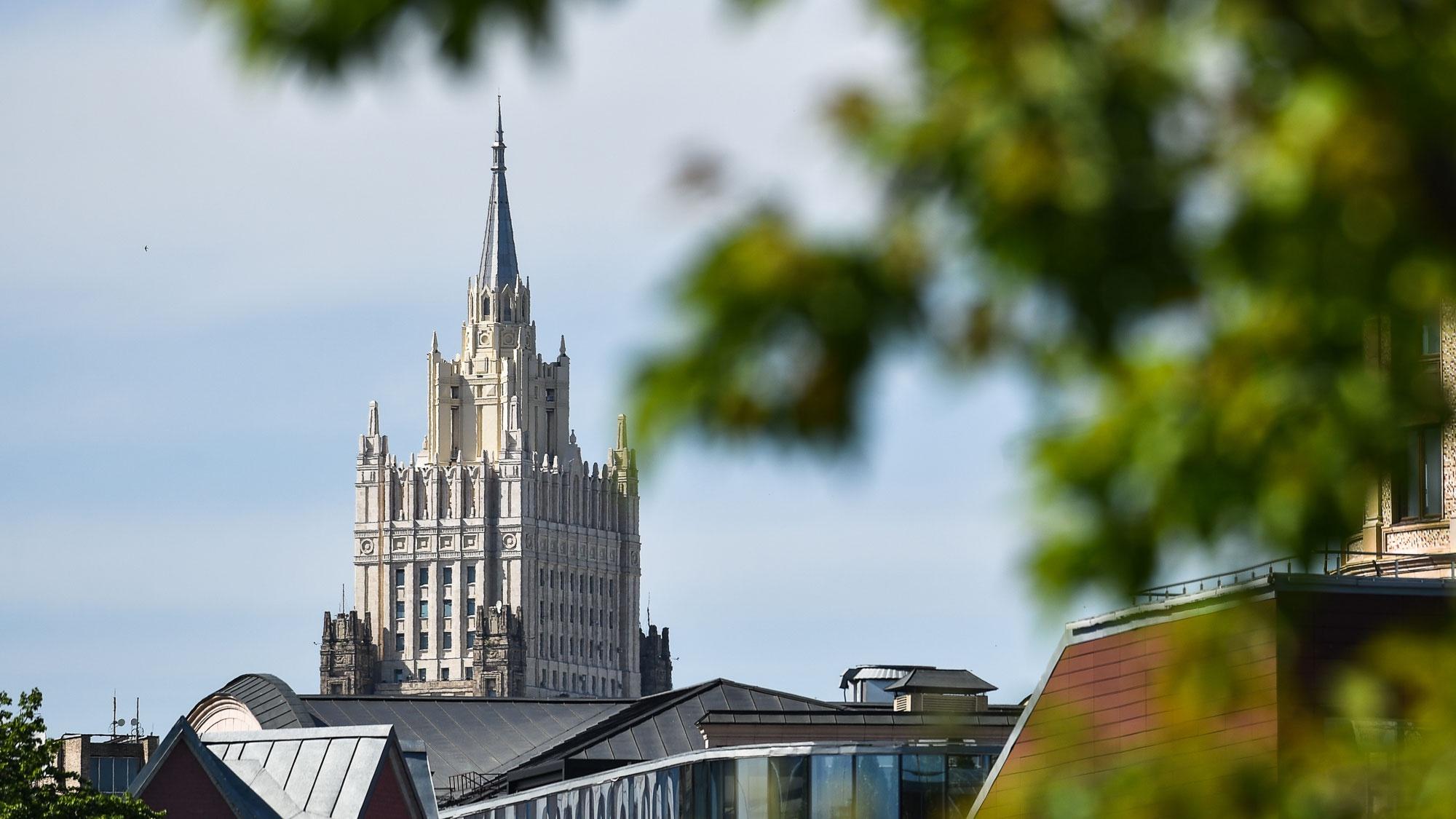 В МИД РФ заявили, что США уведомили Россию о выходе из Договора по открытому небу