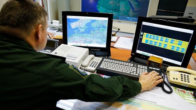 Шесть беспилотников и 24 самолета вели разведку у границ РФ