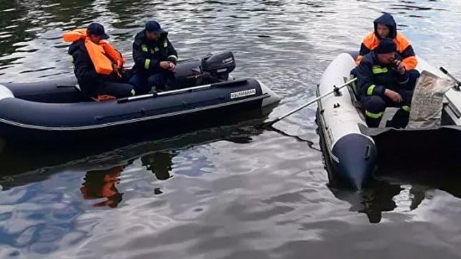 Следователи выясняют происхождение нефтяной пленки в Москва-реке