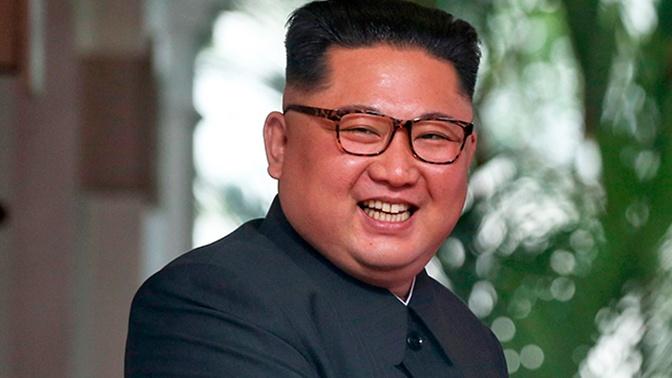 Лидер КНДР впервые за три недели появился на публике