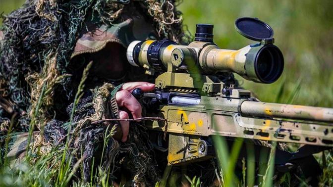 Тамбовские снайперы получили модернизированные винтовки СВ-98