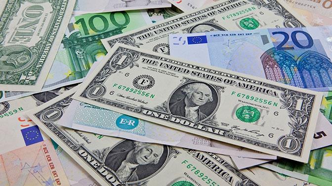 Российские банки ввезли в страну рекордный объем валюты