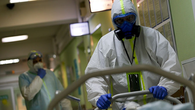 «Трудности приходят и уходят»: Песков об эпидемии коронавируса