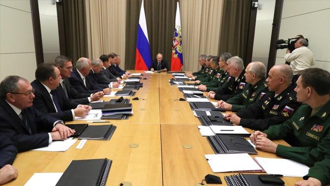 В Кремле рассказали, когда Путин проведет традиционные совещания  по оборонной теме