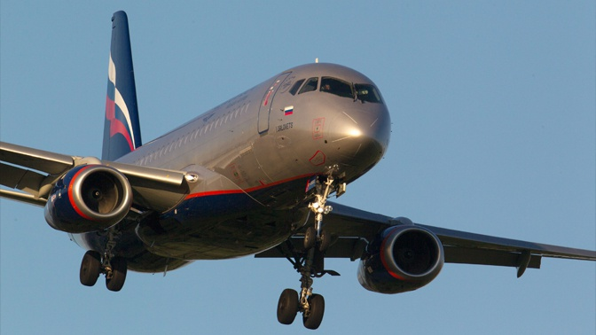 СМИ: пассажирский самолет экстренно сел в Шереметьево из-за отказа двигателя
