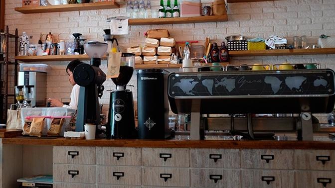 Кафе и рестораны в Москве откроют на следующем этапе снятия ограничений из-за COVID-19
