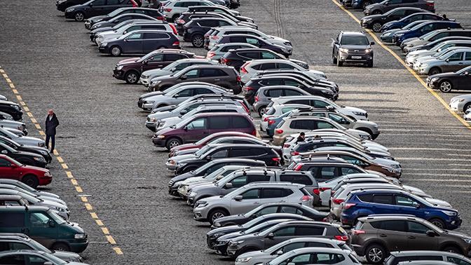 «Будьте осторожны»: из-за непогоды москвичам рекомендуют соблюдать осторожность при парковке