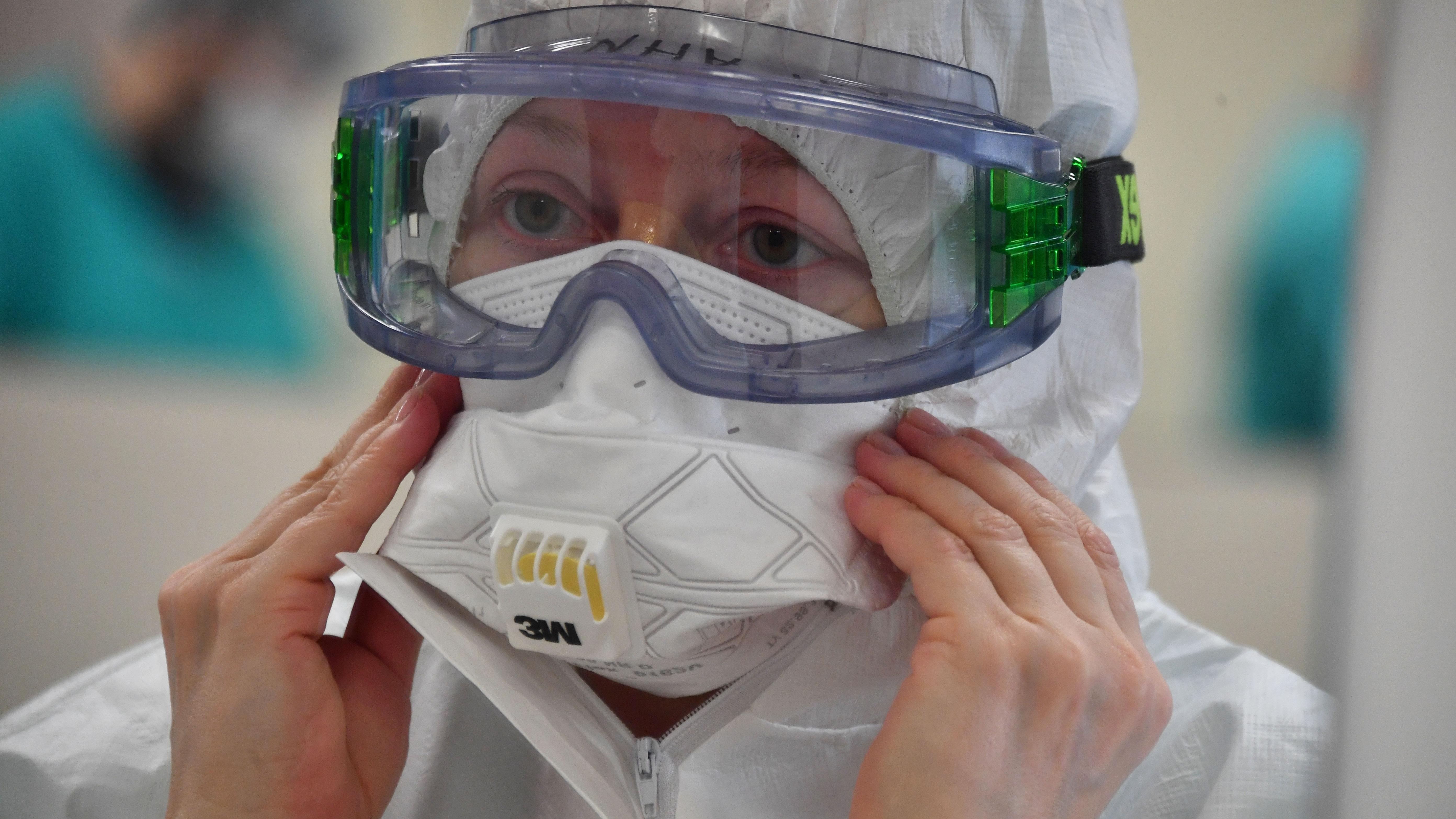 Вышедшего из комы жителя Москвы удивили ограничения из-за коронавируса