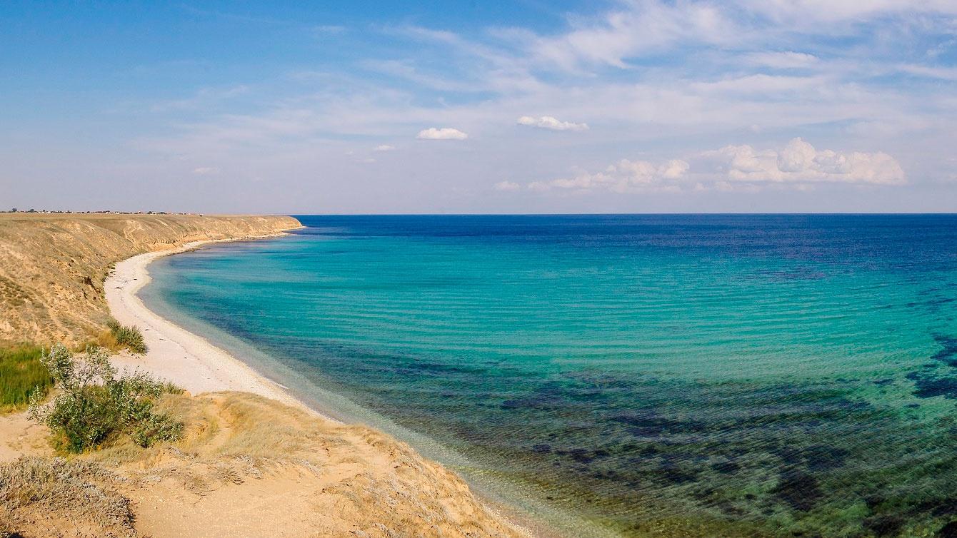 В Ростуризме рассказали, когда откроются пляжи Крыма и Краснодарского края