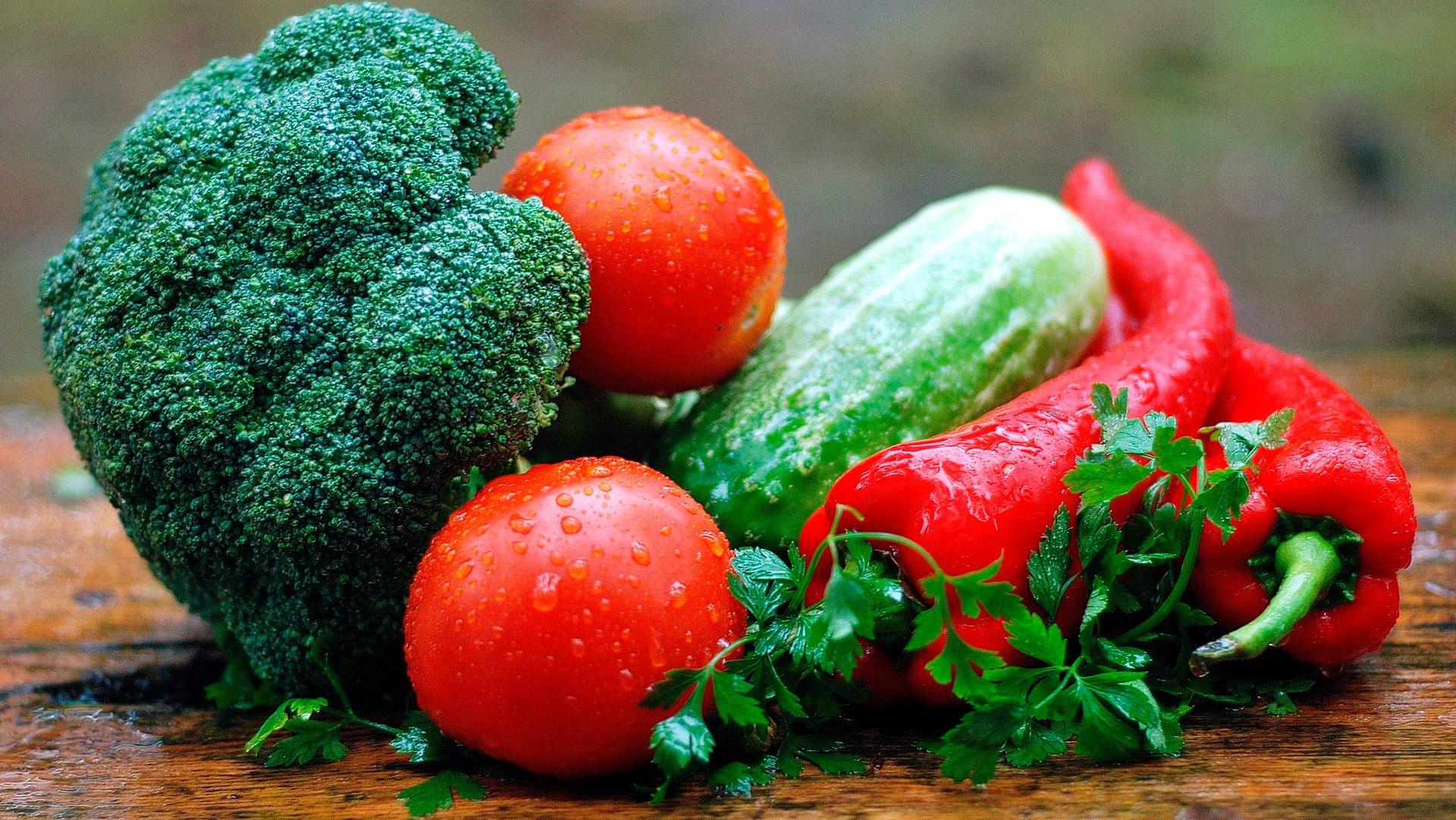 В Роскачестве предупредили о содержании токсинов во фруктах и овощах