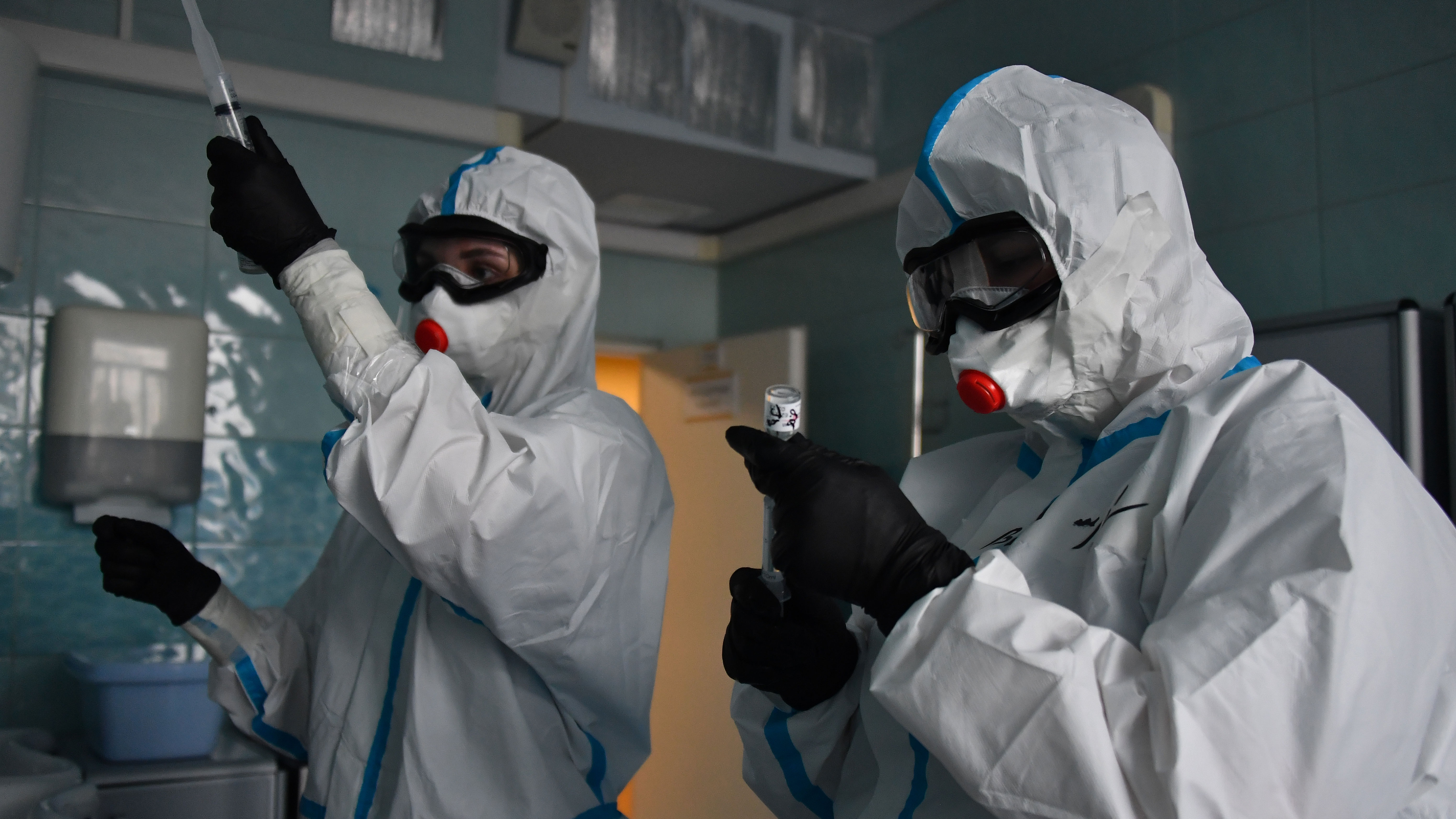 Собянин заявил, что московские больницы заработают в обычном режиме через 2-3 недели