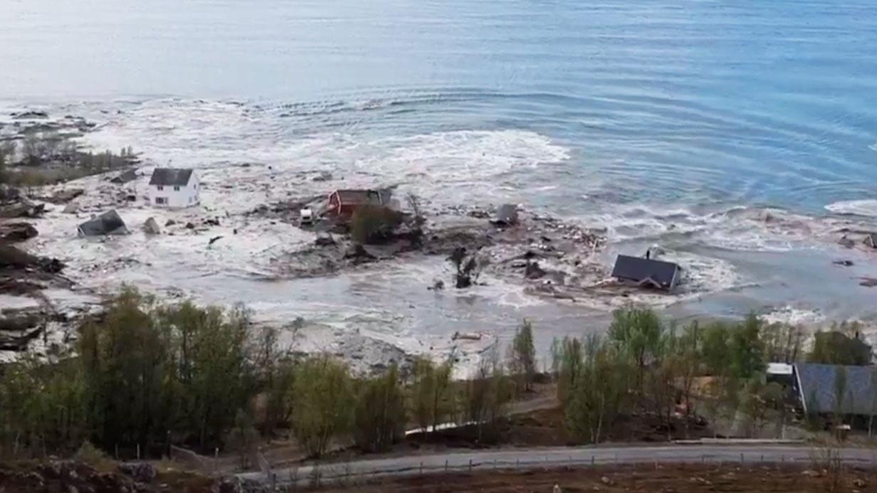 Унесенные в море: мощный оползень в считаные секунды отправил на дно несколько жилых домов в Норвегии