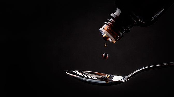 Ученые предупредили о вреде сиропов от кашля при COVID-19