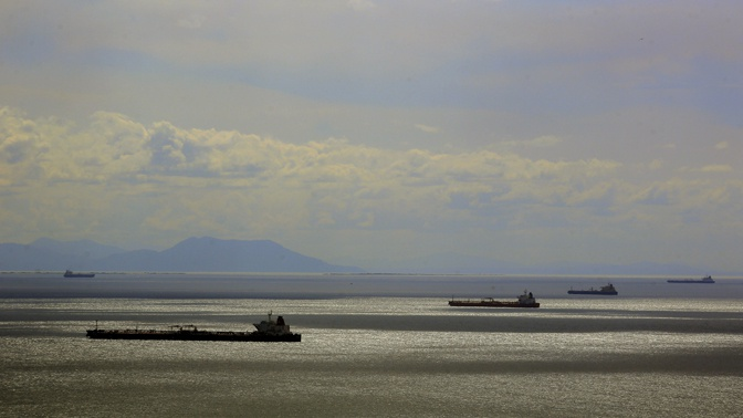 СМИ узнали о планах США ввести санкции против нескольких десятков танкеров