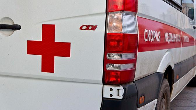 Есть жертвы: в Хабаровске автомобиль протаранил остановку