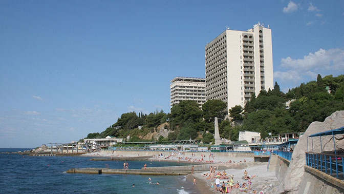 В Крыму с 15 июня откроются санатории и отели для жителей региона
