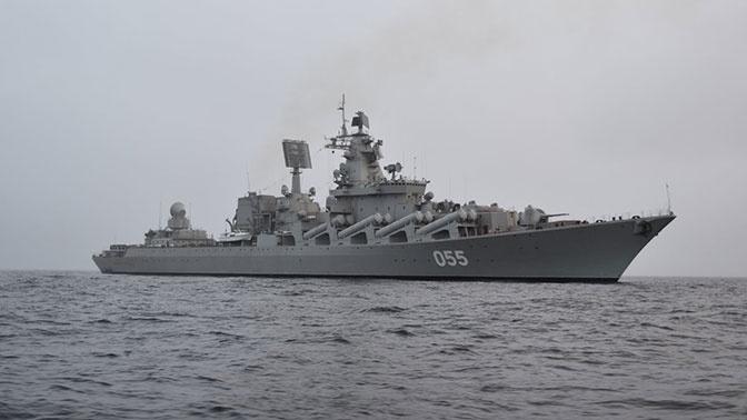 Крейсер «Маршал Устинов» провел учебный бой с кораблями условного противника в Баренцевом море