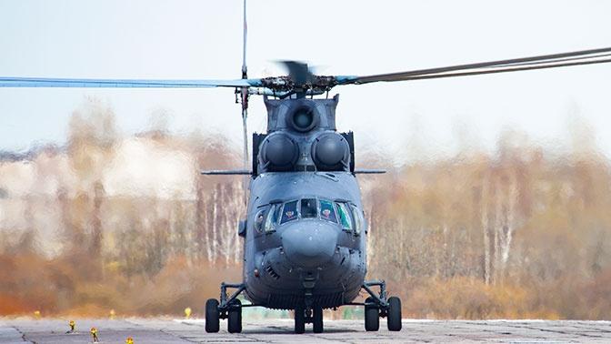Экипаж вертолета Ми-26 доставил медицинский груз из Петербурга в Калининград