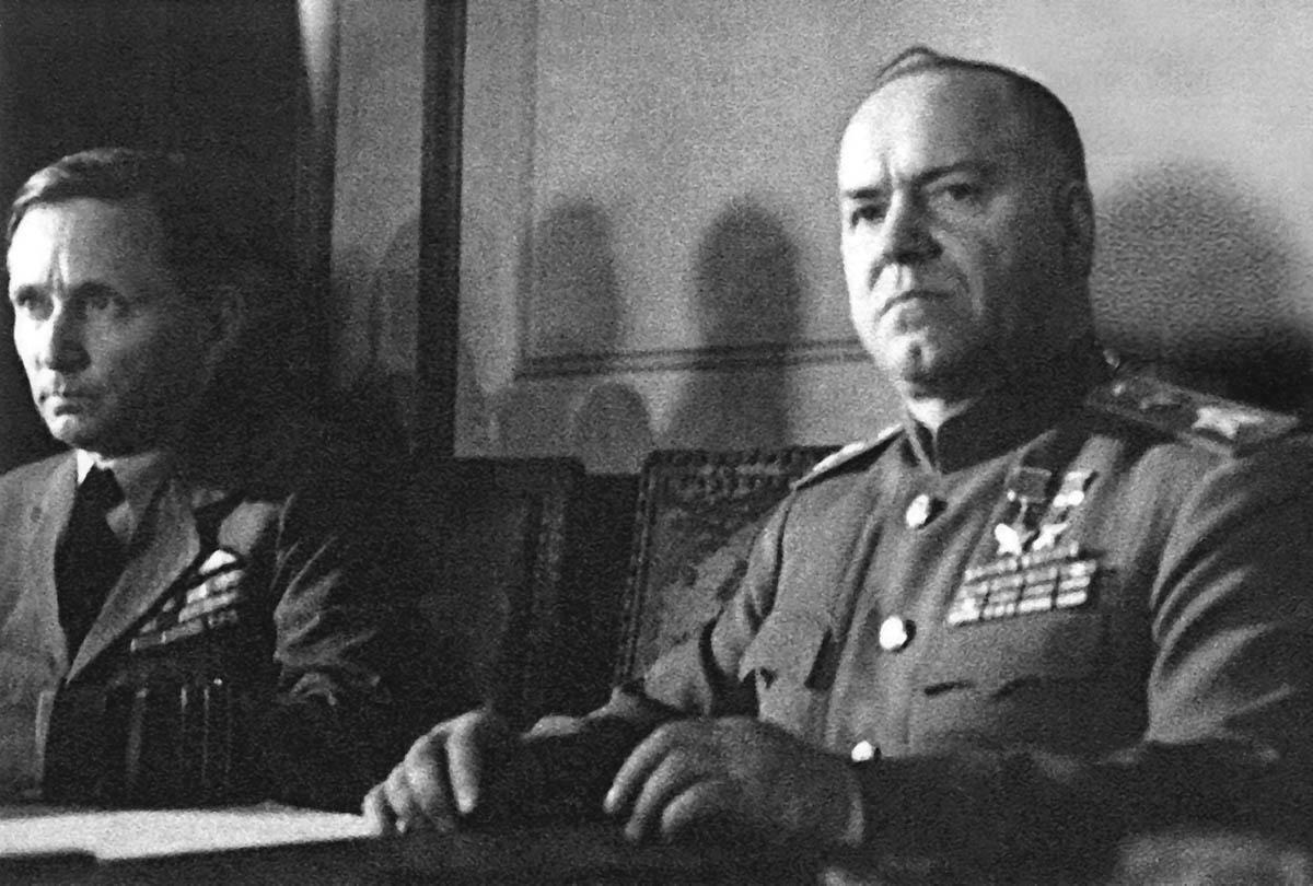 Маршал Советского Союза Г.К Жуков на церемонии подписания Акта о безоговорочной капитуляции фашистской Германии