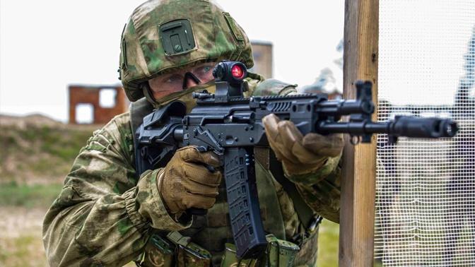 На смену «Ратнику»: в России создадут боевую экипировку третьего поколения