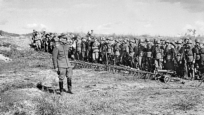 Командующий Степным фронтом генерал армии И.С. Конев