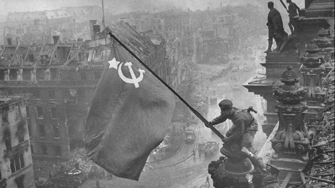 Путин заявил, что память о Великой Отечественной войне абсолютно священна