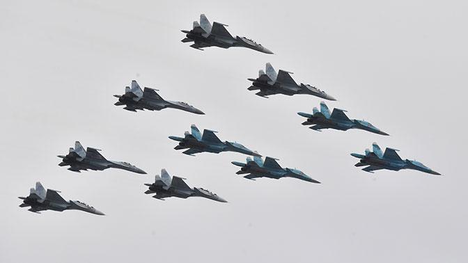 В Хабаровске и Владивостоке из-за нелетной погоды отменили авиапарады